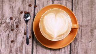 漂亮的咖啡拉花高清桌面壁纸