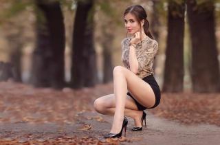 高跟鞋美女大长腿人体欣赏