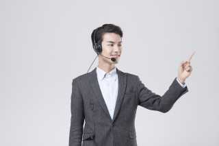 职业男性电话客服