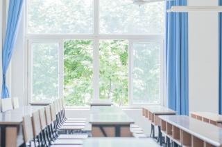 大学教室空无一人