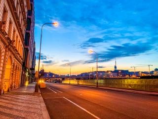 欧洲马路街头夜景图片